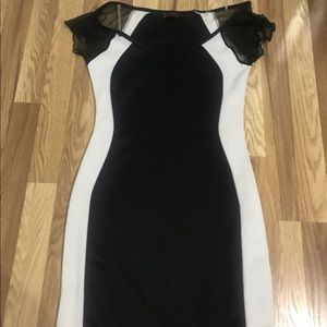 Black and white Annabelle fitted dress